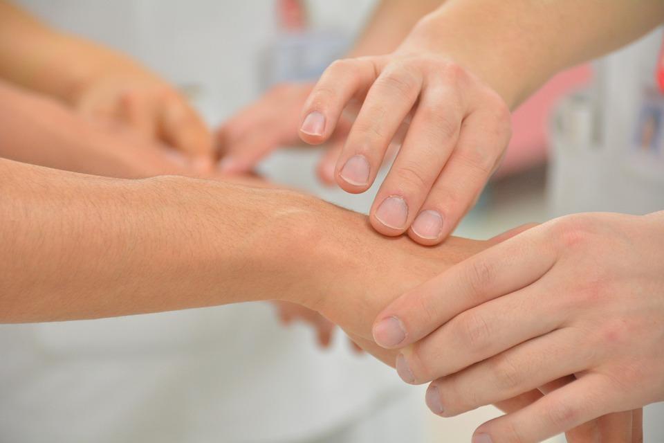 Dank Xiralite kann Ihr Arzt ohne bedeutendes Risiko Rheuma diagnostizieren.